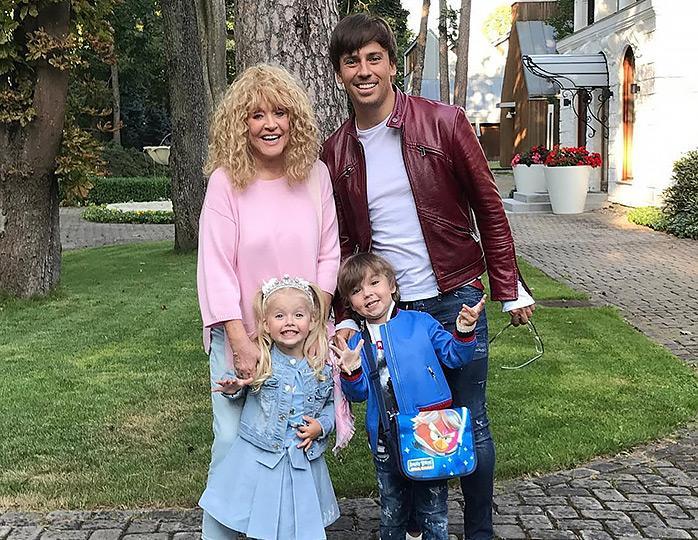 Пугачева с Галкиным и их дети