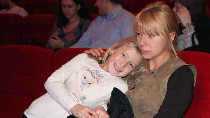 Апина и ее дочка от сурмамы