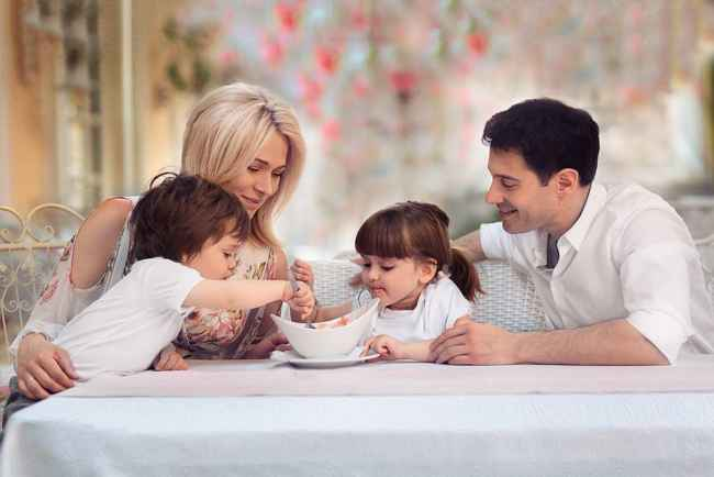 Семья Макарских с детьми
